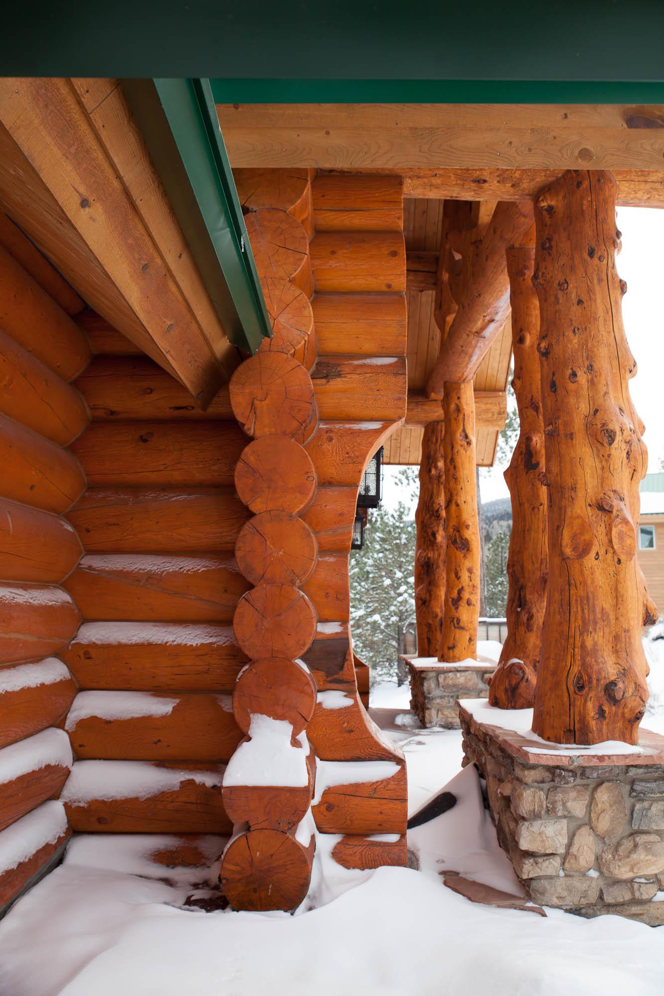 custom-designed-log-timber-homes-2