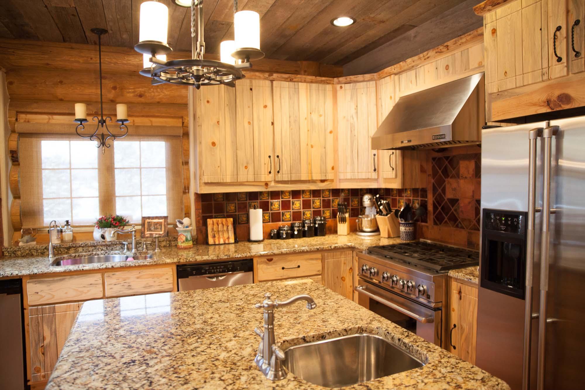 custom-designed-log-timber-homes-22