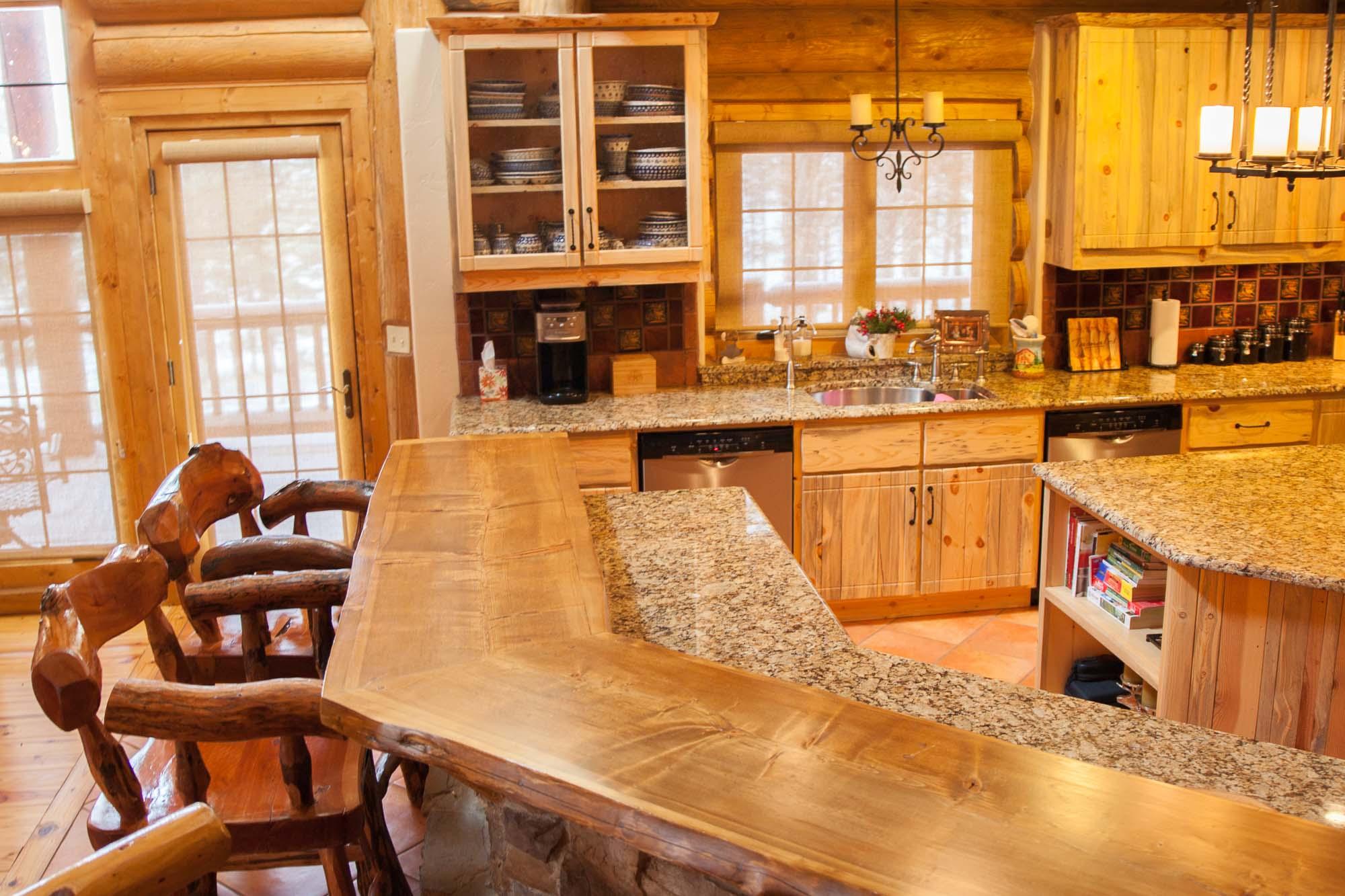 custom-designed-log-timber-homes-24