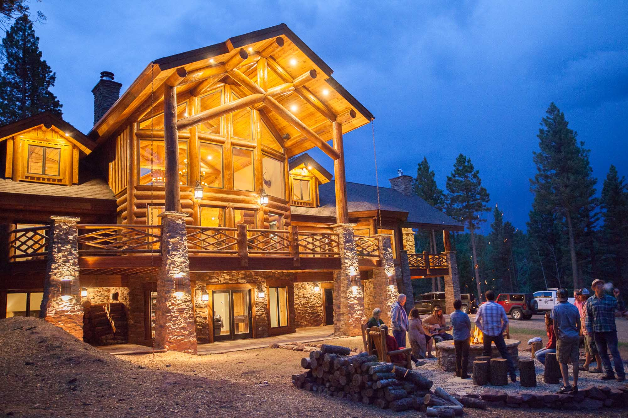 luxury log home in New Mexico